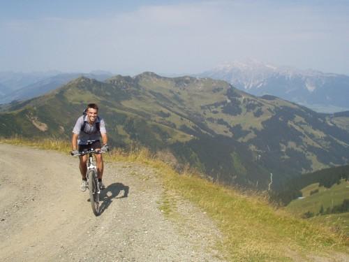 Foto: hofchri / Mountainbike Tour / Hundstein-Runde / endloser Uphill von Maria Alm / 07.07.2009 19:34:27