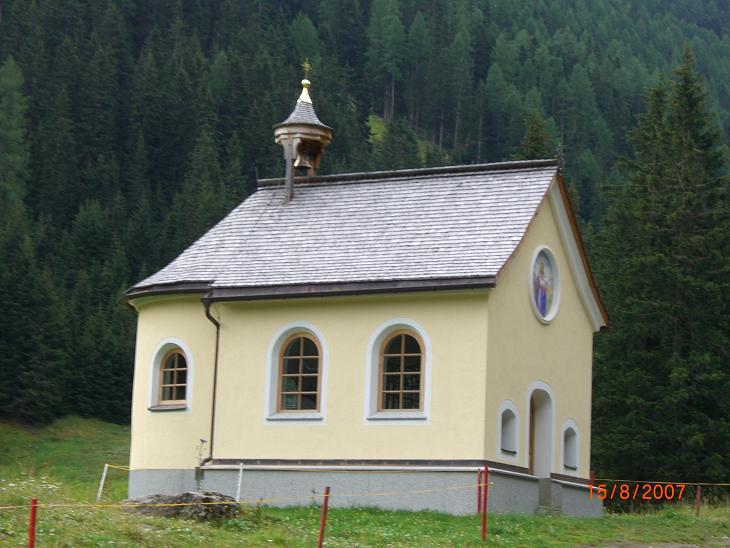 Foto: Charly Weigarten / Mountainbike Tour / Ischgl - Heidelbergerhütte / Kapelle bei Mittelstation Silvrettaseilbahn, Abzeig ins Fimbertal / 02.08.2009 20:29:30