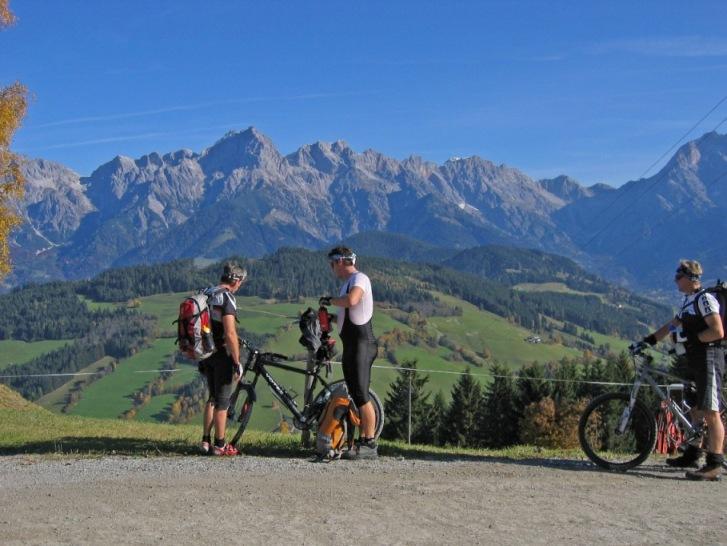 Foto: forstpointler / Mountainbike Tour / Von Maria Alm auf den Hundstein / die erste Pause!  / 11.09.2009 15:24:02