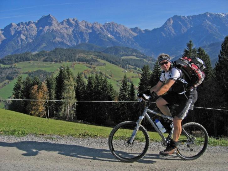 Foto: forstpointler / Mountainbike Tour / Von Maria Alm auf den Hundstein / aufi gehts zum Statzer-Haus. Startpunkt war Maria Alm / 11.09.2009 15:21:31