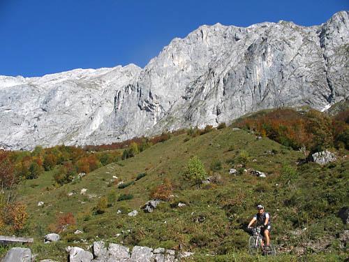 Foto: Lenswork.at / Ch. Streili / Mountainbiketour / Jochalm-Route (Lammertal.info) / 26.09.2007 15:31:54