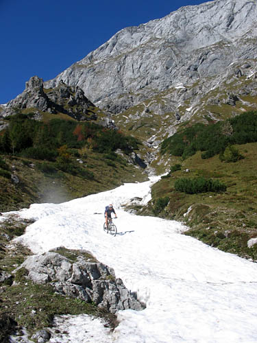 Foto: Lenswork.at / Ch. Streili / Mountainbiketour / Jochalm-Route (Lammertal.info) / 26.09.2007 15:31:14