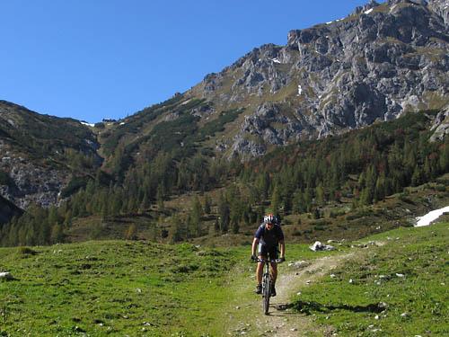 Foto: Lenswork.at / Ch. Streili / Mountainbiketour / Jochalm-Route (Lammertal.info) / 26.09.2007 15:31:09