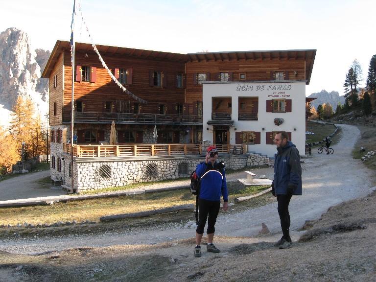 Foto: mucho / Mountainbike Tour / Naturparkrunde - Fanes Sennes Prags - ab St. Vigil / Fanes Hütte / 12.10.2007 21:04:10