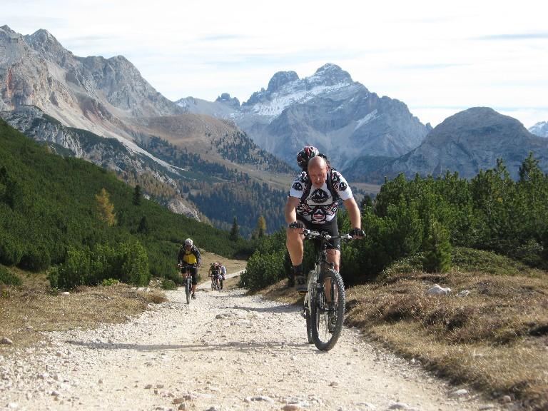 Foto: mucho / Mountainbike Tour / Naturparkrunde - Fanes Sennes Prags - ab St. Vigil / Auffahrt zur Senneshütte / 12.10.2007 21:05:57