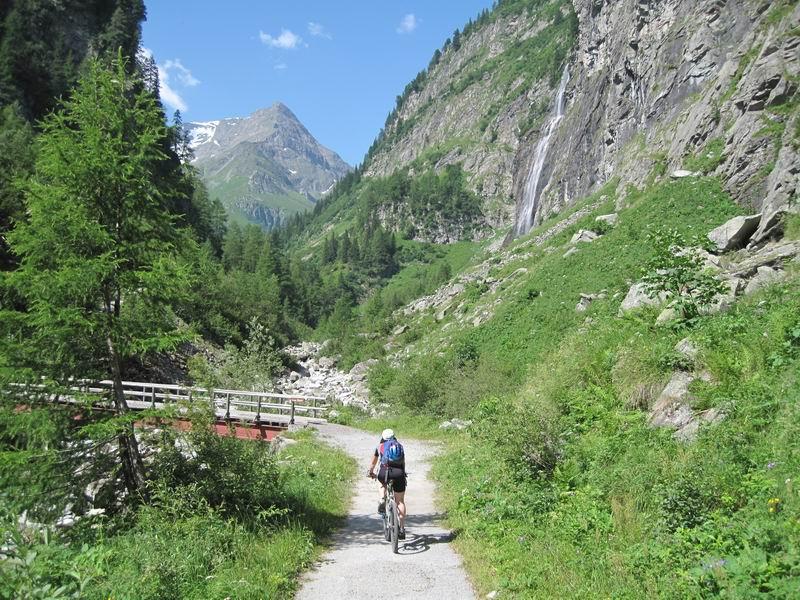 Foto: Heidi Schützinger / Mountainbike Tour / Bockhartsee, 1875m / Supertour für heiße Tage entlang der Naßfelder Ache. / 11.07.2010 17:32:17