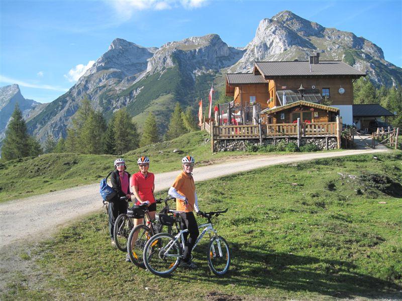Foto: Heidi Schützinger / Mountainbiketour / Almrunde am Ladenberg / nette Einkehrmöglichkeit bei dieser Runde beim Prokschhaus / 20.09.2014 15:47:16