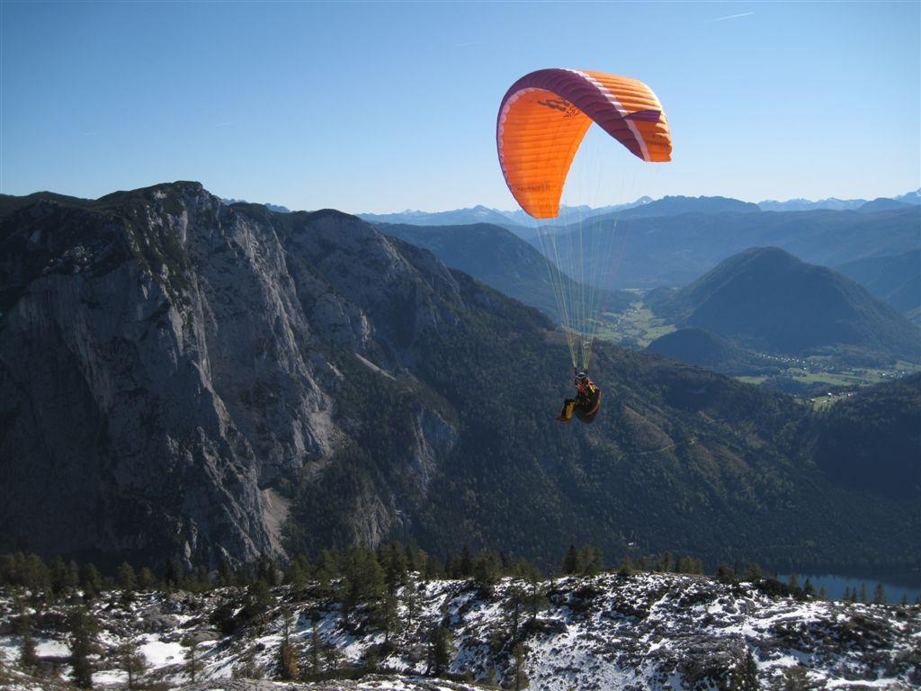 Foto: Heidi Schützinger / Mountainbike Tour / Loserstraße / Der Loser ist ein beliebtes Drachenflieger-u. Paraglidergebiet. Im Hintergrund die Trisselwand - die wunderschöne Klettertouren bietet, / 15.10.2011 18:07:58