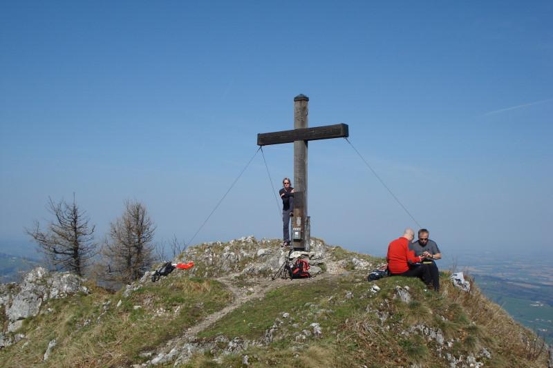 Foto: Günter Siegl / Wander Tour / Über die Mollnerhütte auf das Dürre Eck / Am Gipfel. / 18.04.2011 09:42:31