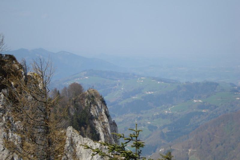 Foto: Günter Siegl / Wander Tour / Über die Mollnerhütte auf das Dürre Eck / Blick vom Gaisberg auf das Dürre Eck. / 18.04.2011 09:42:40
