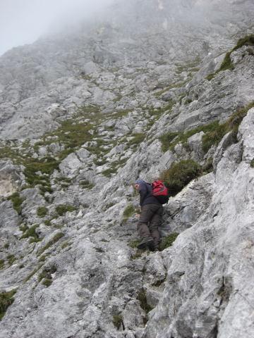 Foto: Wolfgang Lauschensky / Wander Tour / Normalweg auf den Gimpel / Schrofenkletterei zum Gimpel / 19.11.2011 17:50:35