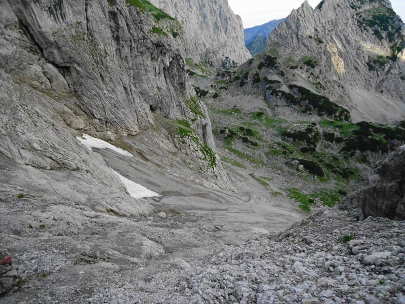 Foto: Günter Siegl / Wander Tour / Von Norden auf die Ackerlspitze / Bröseliges Gestein. Helm unbedingt mitnehmen - Steinschlag durch Gämsen oder Bergsteiger!  / 10.08.2016 20:15:56