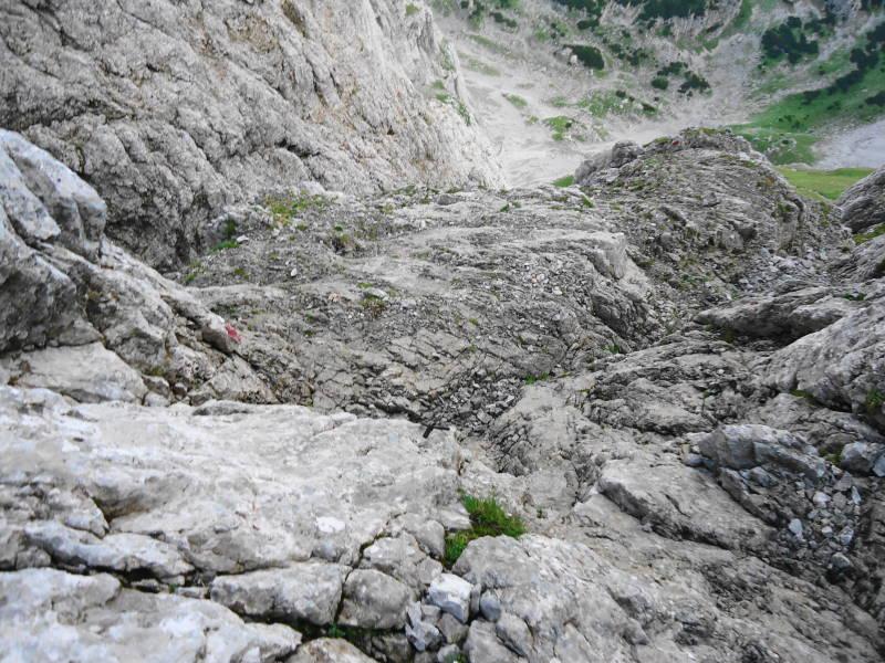 Foto: Günter Siegl / Wander Tour / Von Norden auf die Ackerlspitze / Schlüsselstelle SG. II - es steckt ein Ringhaken zur Sicherung / 10.08.2016 20:05:09