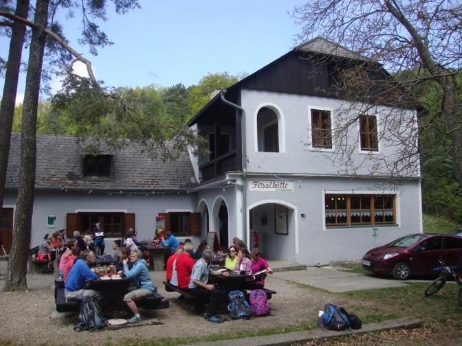 Foto: Wolfgang Dröthandl / Wander Tour / Vogelberg-Schloßberg - Runde / Fesslhütte / 08.05.2017 09:39:32
