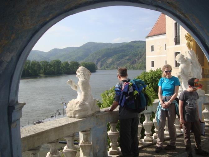 Foto: Wolfgang Dröthandl / Wander Tour / Vogelberg-Schloßberg - Runde / Auf der Terrasse / 08.05.2017 09:33:31