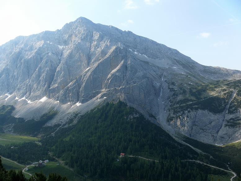 Foto: Wolfgang Lauschensky / Wander Tour / Durch das Hinterautal zur Speckkarspitze / Speckkarspitze und Hallerangeralm bzw. -haus / 02.07.2017 13:42:27