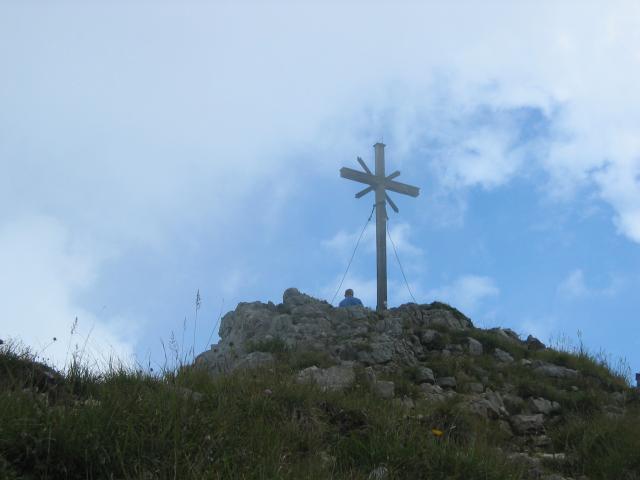 Foto: elipes / Wander Tour / Vom Spitzingsee auf den Aiplspitz / Gipfelkreuz Aiplspitze / 09.08.2009 22:00:33