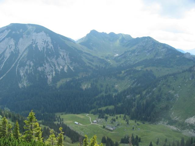 Foto: elipes / Wander Tour / Vom Spitzingsee auf den Aiplspitz / Blick von der Aiplspitze zur Rotwand / 09.08.2009 21:59:59