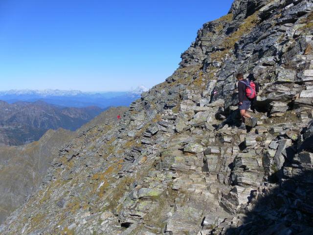 Foto: Wolfgang Lauschensky / Wander Tour / Hochgolling - über den NW-Grat / teils bröselige SW-Flanke am Normalweg / 08.10.2011 16:20:17