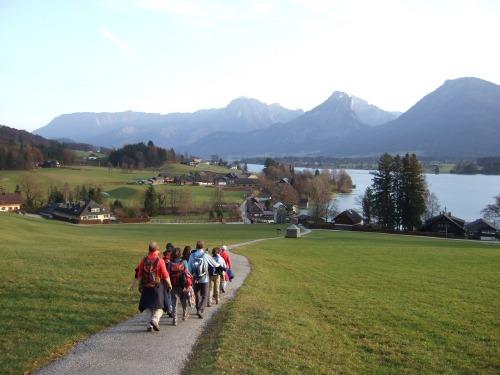 Foto: hofchri / Wander Tour / Von St.Gilgen nach St.Wolfgang auf dem Wallfahrerweg über den Falkenstein, 750m / die letzten Kilometer ins Zentrum ziehen sich / 23.11.2009 20:04:06
