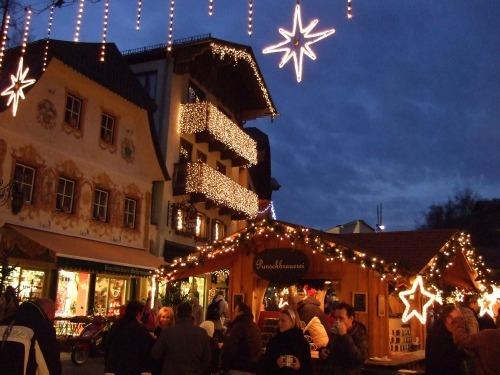 Foto: hofchri / Wander Tour / Von St.Gilgen nach St.Wolfgang auf dem Wallfahrerweg über den Falkenstein, 750m / am Christkindlmarkt angekommen - bei diesen Temperaturen gibt es auch Bier! / 23.11.2009 20:05:27