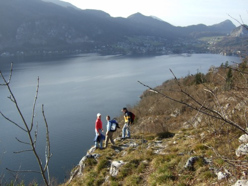 Foto: hofchri / Wander Tour / Von St.Gilgen nach St.Wolfgang auf dem Wallfahrerweg über den Falkenstein, 750m / direkt an der Falkenstein-Felswand / 23.11.2009 20:01:21