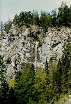 Foto: Wolfgang Dröthandl / Wander Tour / Ötschergräben - Grand Canyon Niederösterreichs / Erster Blick auf den Mirafall / 16.05.2011 16:34:09