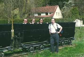 Foto: Wolfgang Dröthandl / Wander Tour / Durch die Raabklamm ´die längste Schlucht Österreichs´ / Abgang in Arzberg, alte Loren des ehem. Silberbergwerks; alle Fotos vom 1. 5. 2002 / 16.05.2011 16:07:21
