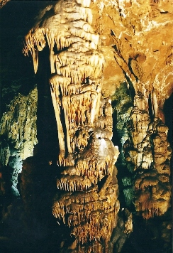 Foto: Wolfgang Dröthandl / Wander Tour / Durch die Raabklamm ´die längste Schlucht Österreichs´ / Beeindruckende Grasslhöhle (Dürntal) / 16.05.2011 16:02:18