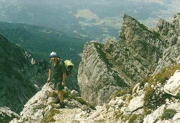 Foto: Wolfgang Dröthandl / Wander Tour / Von Kulm auf den Grimming / In den Schrofen beim Abstieg, Blickrichtung Norden / 16.05.2011 14:23:11