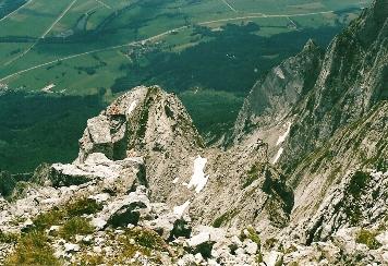 Foto: Wolfgang Dröthandl / Wander Tour / Von Kulm auf den Grimming / Die gigantischen Grimming - Südabstürze vom Gipfel / 16.05.2011 14:32:11