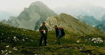 Foto: Wolfgang Dröthandl / Wander Tour / Vom Bodental auf den Hochstuhl / Unterhalb des Hochstuhl - Gipfels - Blick Richtung Osten (Vertatscha, Steiner Alpen) / 16.05.2011 17:01:30