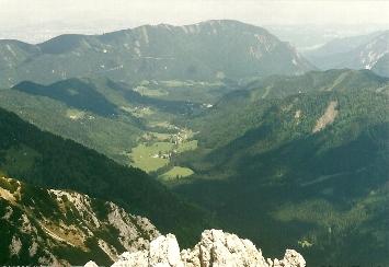 Foto: Wolfgang Dröthandl / Wander Tour / Vom Bodental auf den Hochstuhl / Blick ins Bodental von der Bielschitza / 16.05.2011 17:04:52