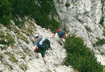 Foto: Wolfgang Dröthandl / Wander Tour / Vom Bodental auf den Hochstuhl / Aufstieg zur Klagenfurter Hütte über den Stinzesteig, Sicherungen / 16.05.2011 17:07:48