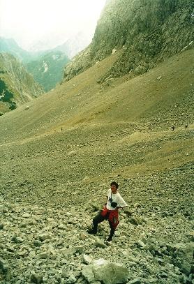 Foto: Wolfgang Dröthandl / Wander Tour / Vom Bodental auf den Hochstuhl / Aufstieg bzw. Abstieg Hochstuhl über das große Kar auf slowenischer Seite / 16.05.2011 16:54:17