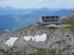 Foto: Wolfgang Dröthandl / Wander Tour / Hochschwabrunde übers G´hackte / Das neue Schiestlhaus - ein Schmuckkästchen! Quelle: www.alpinum.at / 16.05.2011 15:14:07