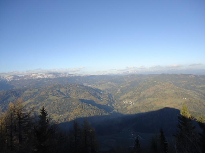 Foto: Günter Siegl / Wander Tour / Von Oberwölz auf den Pleschaitz / Blick Richtung Lachtal / 08.11.2014 18:29:02