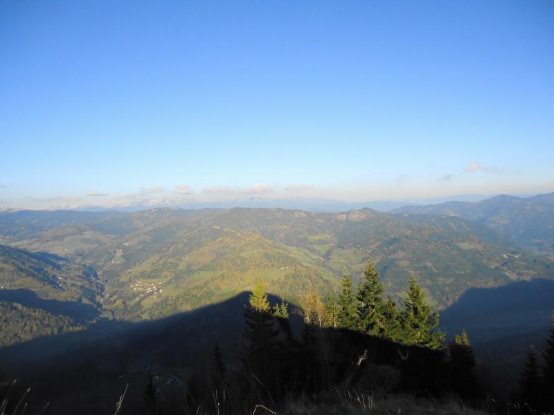 Foto: Günter Siegl / Wander Tour / Von Oberwölz auf den Pleschaitz / Blick zum Bocksruck / 08.11.2014 18:28:26