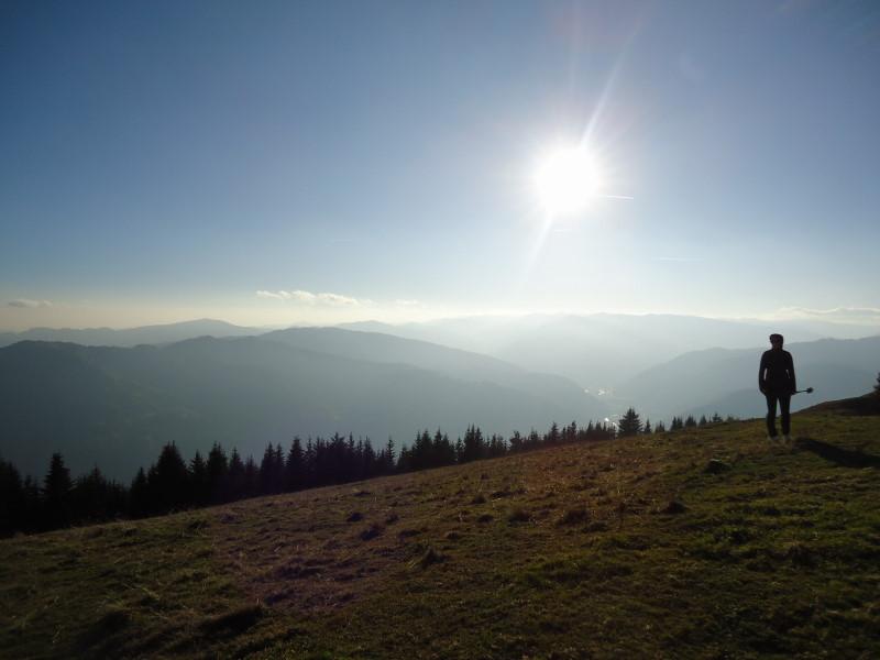 Foto: Günter Siegl / Wander Tour / Von Oberwölz auf den Pleschaitz / links der Bildmitte das Karchauer Eck / 08.11.2014 18:28:05