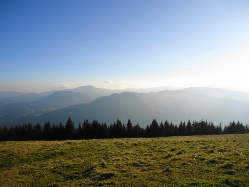 Foto: Günter Siegl / Wander Tour / Von Oberwölz auf den Pleschaitz / links Grebenzen / 08.11.2014 18:27:45