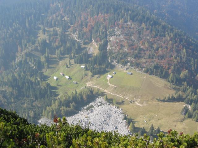 Foto: pepi4813 / Wander Tour / Von Lupitsch auf den Sandling / Tiefblick zur Sandling Alm / 18.07.2009 22:05:39