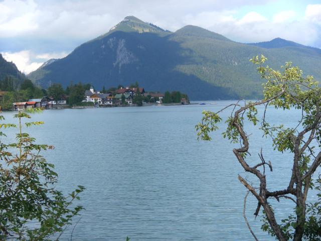 Foto: Wolfgang Lauschensky / Wander Tour / Vom Kesselberg auf den Jochberg / Jochberg über dem Walchensee / 18.09.2012 23:42:24
