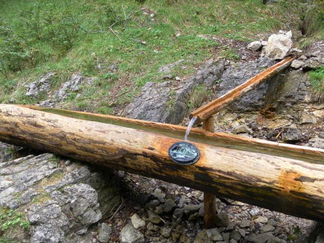 Foto: Wolfgang Lauschensky / Wander Tour / Vom Kesselberg auf den Jochberg / Quelle auf halber Strecke / 18.09.2012 23:41:56