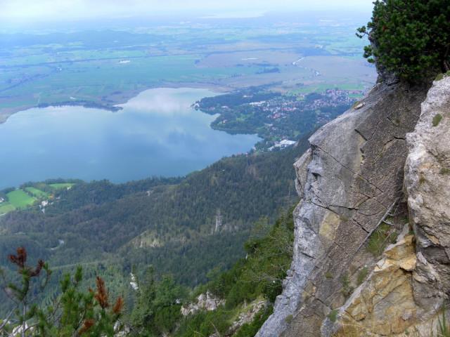 Foto: Wolfgang Lauschensky / Wander Tour / Vom Kesselberg auf den Jochberg / Westgratblick zum Kochelsee / 18.09.2012 23:40:14