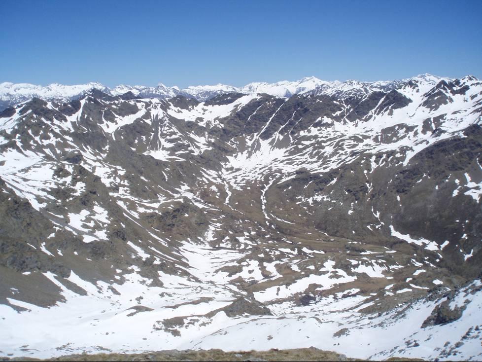 Foto: Lizz / Wandertour / Scharnik-Tour / Blick vom Gipfel in Richtung Kreuzeckgruppe / 28.06.2010 08:04:02