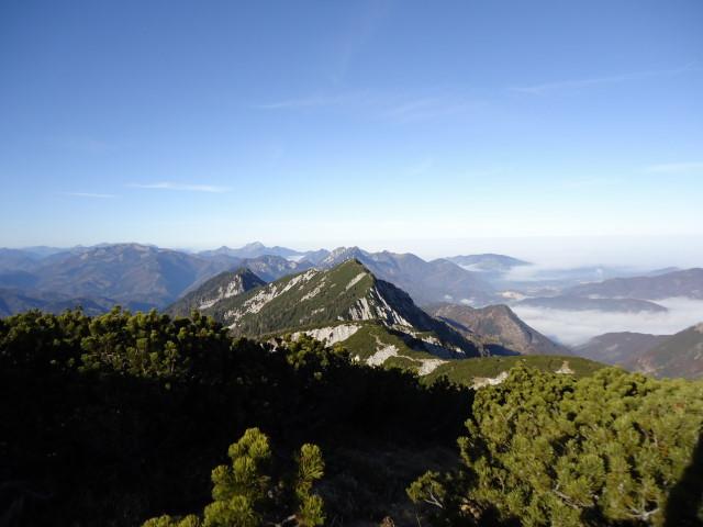 Foto: Günter Siegl / Wandertour / Überschreitung des Sengsengebirges von Windischgarsten nach Klaus / Rückblick Schillereck / 22.11.2011 17:18:34
