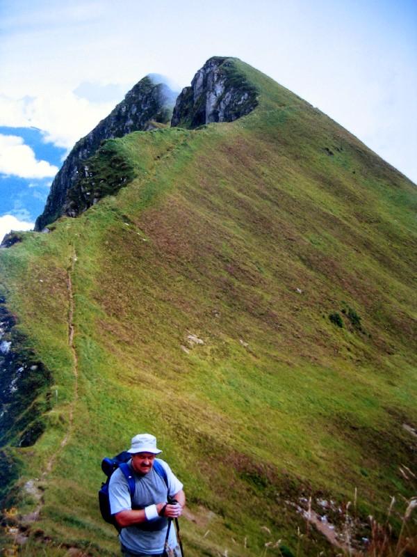 Foto: Climber69 / Wander Tour / Alexander-Enzinger-Weg / Die steilen abschüssigen Grashänge am Weg zur Krefelder Hütte dürfen keinesfalls unterschätzt werden! / 28.12.2007 22:52:15