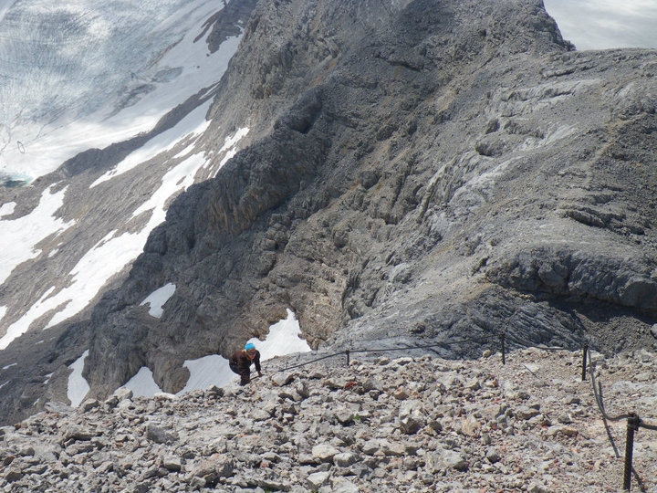 Foto: drjones31 / Wandertour / Auf den Spuren der Eiszeit - Etappe 1: Hunerkogel - Gjaidstein - Gjaidalm - Krippenstein / Anstieg zum Gipfel des Hohen Gjaidstein / 18.08.2010 16:08:20