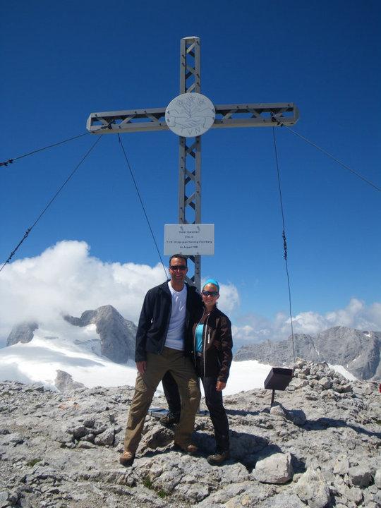 Foto: drjones31 / Wandertour / Auf den Spuren der Eiszeit - Etappe 1: Hunerkogel - Gjaidstein - Gjaidalm - Krippenstein / am Gipfel / 18.08.2010 16:08:40