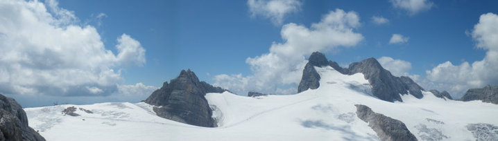 Foto: drjones31 / Wandertour / Auf den Spuren der Eiszeit - Etappe 1: Hunerkogel - Gjaidstein - Gjaidalm - Krippenstein / Gipfelpanorama in Richtung Hoher Dachstein / 18.08.2010 16:09:11